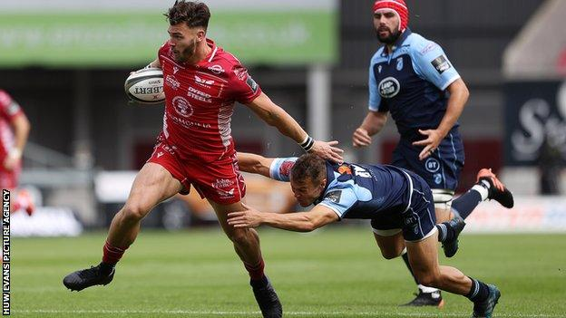 Johnny Williams helped set up a couple of tries on his Scarlets debut against Cardiff Blues
