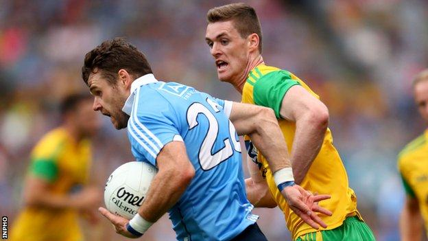Dublin's Kevin McManamon attempts to get away from Donegal's Caolan Ward in last year's Super 8s game