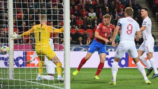 Jakub Brabec equalises for Czech Republic against England