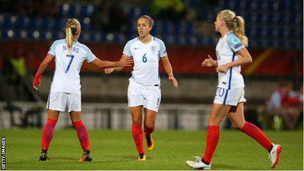 Jo Potter high fives Jordan Nobbs during England's Euro 2017 match with Portugal