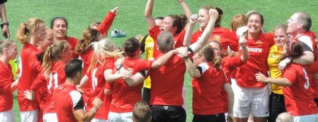 Jersey celebrate winning gold in 2015