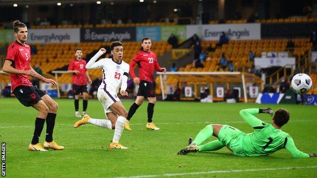 Jamal Masiala, Kasım ayında Arnavutluk'u 5-0 yenerek İngiltere 21 Yaş Altılar adına gol attı