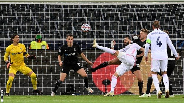 Borussia Monchengladbach Real Madrid Real Score Two Late Goals To Snatch Draw BBC Sport