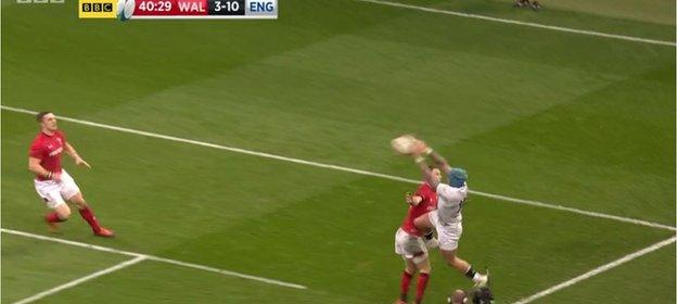 Jack Nowell fails to claw the ball back into play