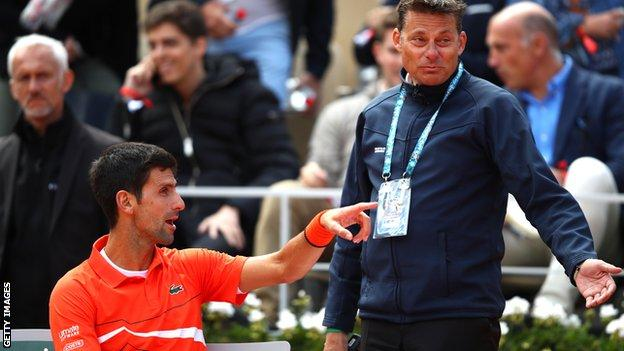 French Open 2019 Criticism As Novak Djokovic V Dominic Thiem Suspended Because Of Bad Weather Bbc Sport