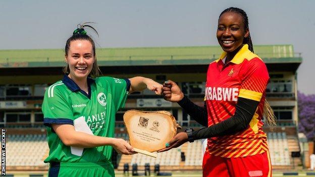 Zimbabwe captain Mary-Anne Musonda and Ireland captain Laura Delaney