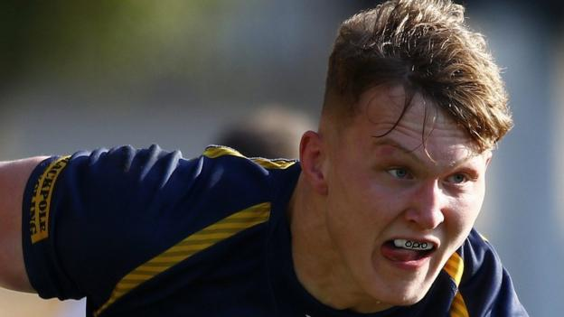 Ted Hill: Worcester and England flanker extends contract at Sixways until 2022 thumbnail