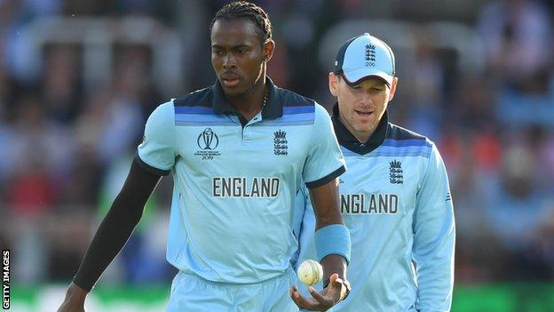England captain Eoin Morgan (right) talks to bowler Jofra Archer (left) during the super over in the World Cup final against New Zealand