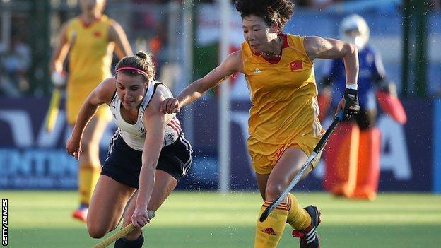 GB's Lily Owsley is chased by China's Qiong Wu