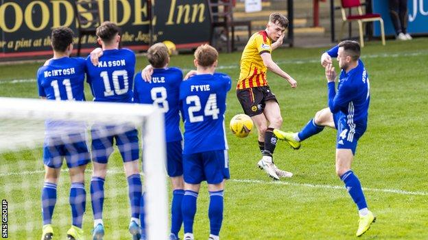 Partick Thistle and Cove Rangers are vying for top spot in League 1