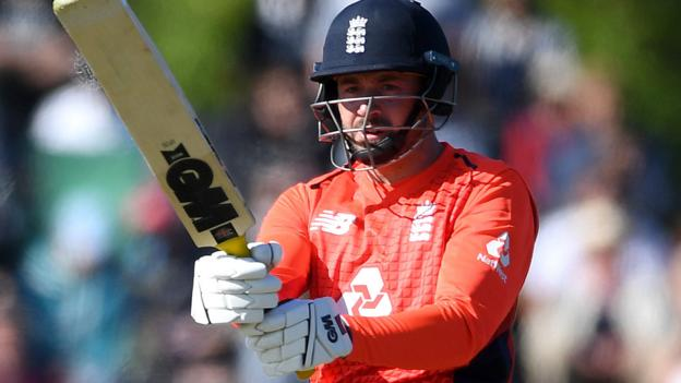 Vince stars as England win T20 opener in New Zealand thumbnail