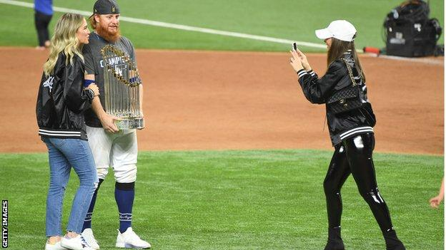 MLB Concludes Investigation Into Justin Turner Joining Dodgers' Celebration