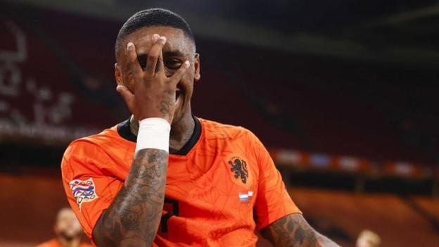 Steven Bergwijn celebrates scoring for the Netherlands against Poland
