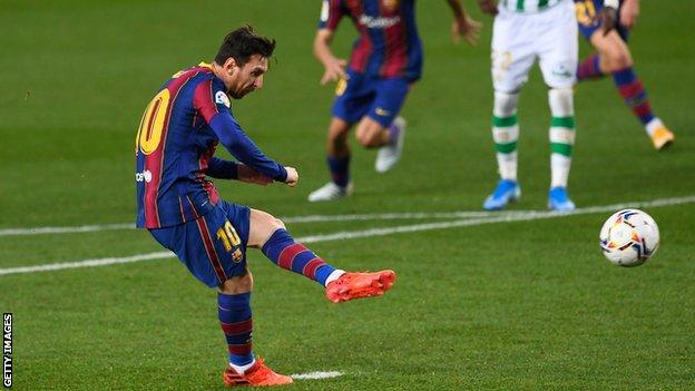 Barcelona 5-2 Real Betis: Lionel Messi comes on to win game for Barca - BBC  Sport