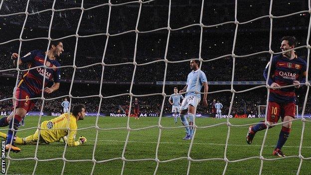 Suarez & Messi celebrate penalty