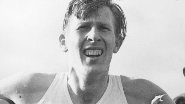 Sir Roger Bannister: First man to run a mile in under four minutes dies at 88 thumbnail