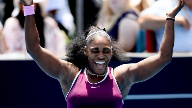 Auckland Classic: Serena Williams & Caroline Wozniacki reach semi-finals thumbnail