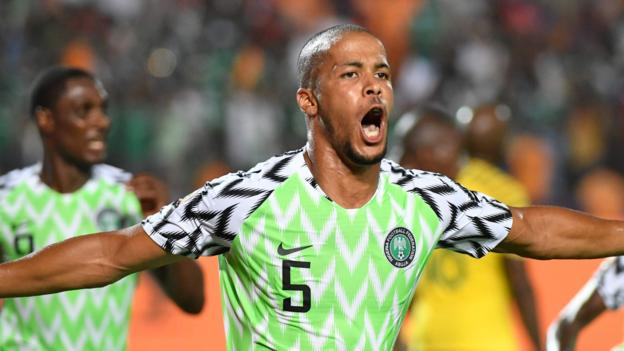 Africa Cup of Nations: Nigeria score in last minute to beat South Africa 2-1 for semi-final spot thumbnail