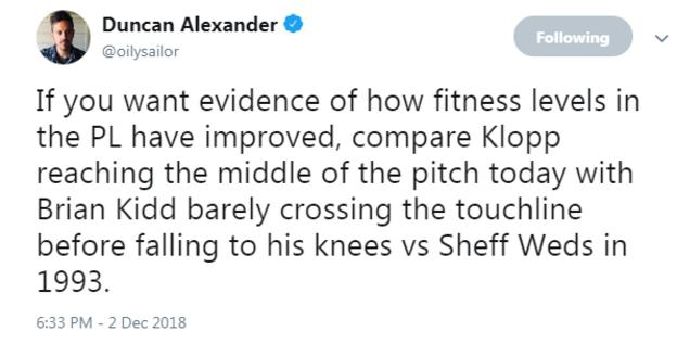 Tweet about former Manchester United assistant manager Brian Kidd running on to the pitch after a late winner in 1993