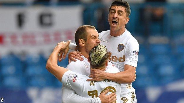 Lasogga celebrates scoring against Ipswich