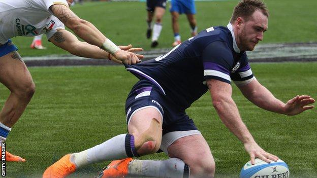 Stuart Hogg scores a try for Scotland against Italy