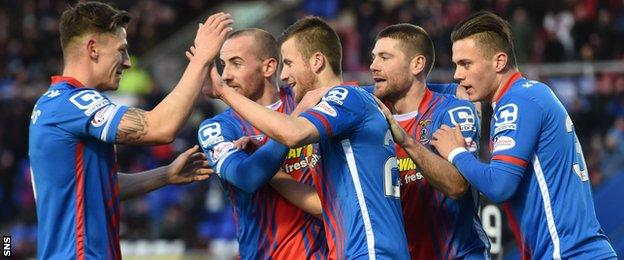 Inverness Caledonian Thistle players celebrate an Iain Vigurs goal