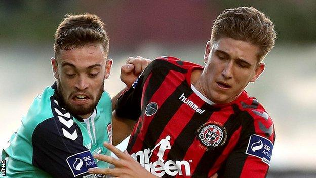 Nathan Boyle of Derry in action against Bohemians opponent Oscar Brennan