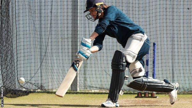 Nat Sciver batting in the nets