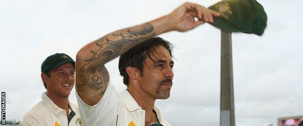 Mitchell Johnson acknowledges Australian fans after his final game