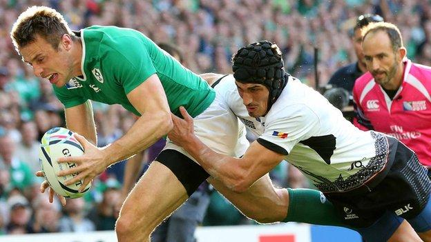 Tommy Bowe is about to score his first try against Romania