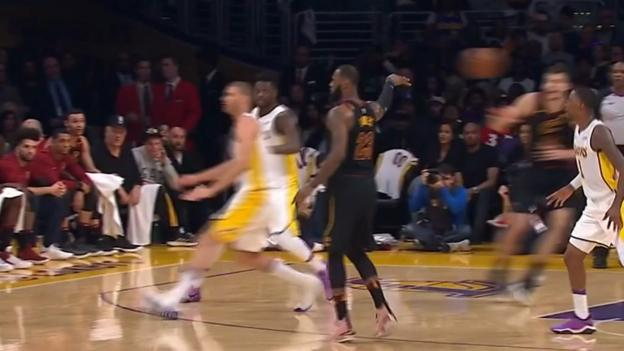 100377226 p060w8jr -'Examine left, crawl correct' - LeBron James' classy no-be taught about crawl in Cavs' defeat to Lakers in NBA