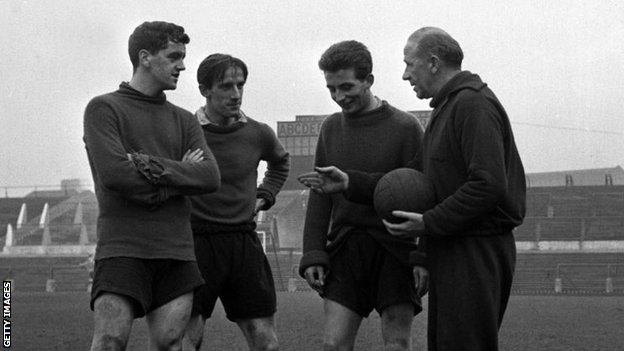 Tommy Taylor, Dennis Viollet and David Pegg are pictured with Manager Matt Busby