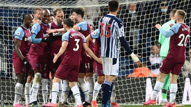 Les joueurs de West Ham célèbrent leur vainqueur
