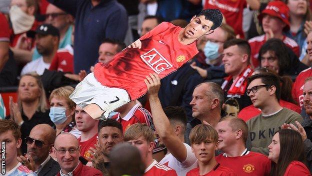 Cristiano Ronaldo, Manchester United, cardboard cutout, fans