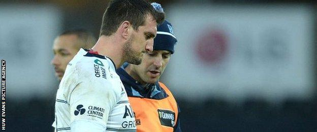 Sam Warburton leaves the field during the first half of Ospreys v Blues