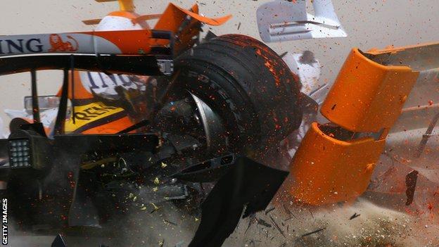 kovalainen crashes in 2007