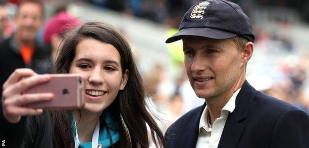 Joe Root, who posed for selfies before play, brought up 5,000 Test runs during the course of his innings - only India's Sachin Tendulkar and his team-mate Alastair Cook were younger when reaching the milestone