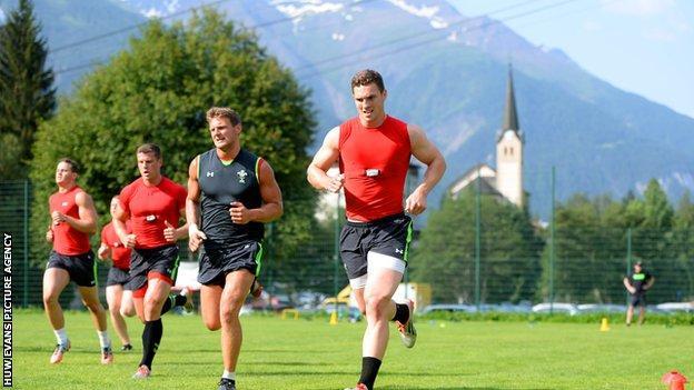 George North training in the Swiss Alps in 2015 alongside Dan Biggar