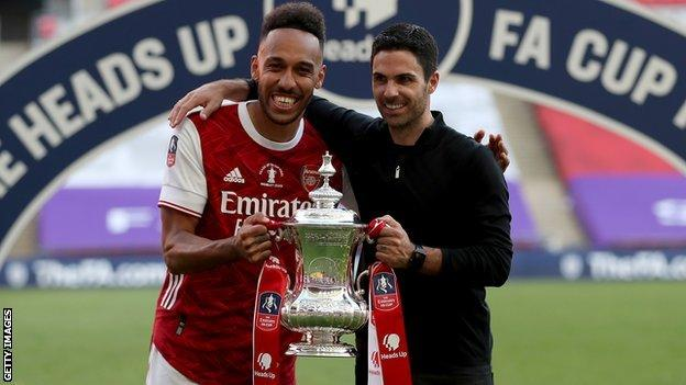 Aubameyang and Arteta with the FA Cup