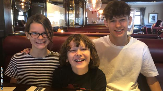 Anthony Johnson's three children Bella (left) - who would read bedtime stories to her seriously ill dad - Zac and Lewis (right)