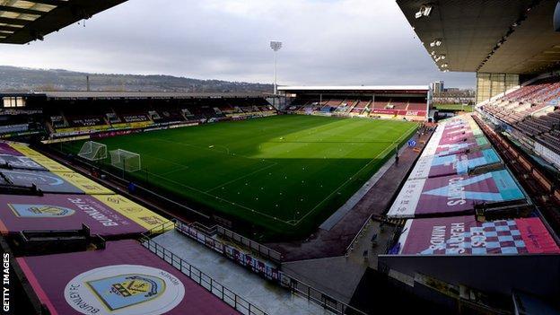 Burnley'in zeminindeki Çim Moor'un genel görüntüsü