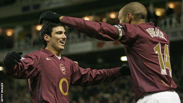Jose Antonio Reyes do Arsenal morre aos 35 anos