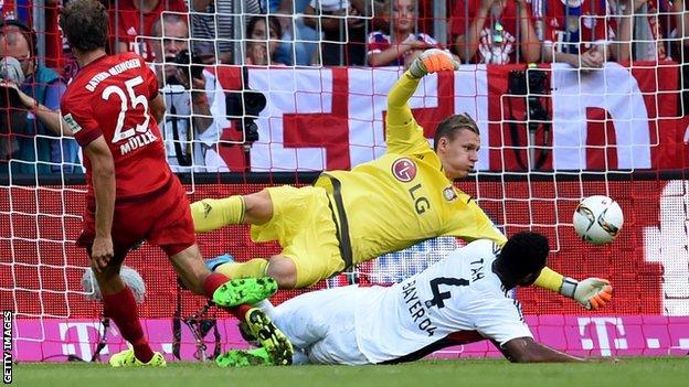 Thomas Muller scores against Bayer Leverkusen