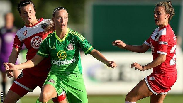 Beth Mead (centre) in action for Sunderland against Bristol Academy