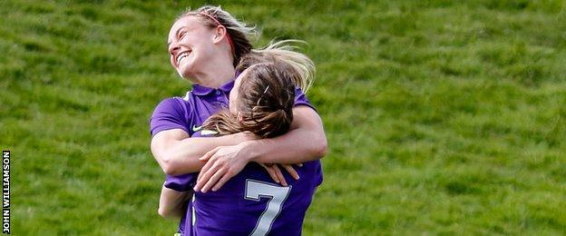 Kirsty Smith and Lizzie Arnot (number 7)