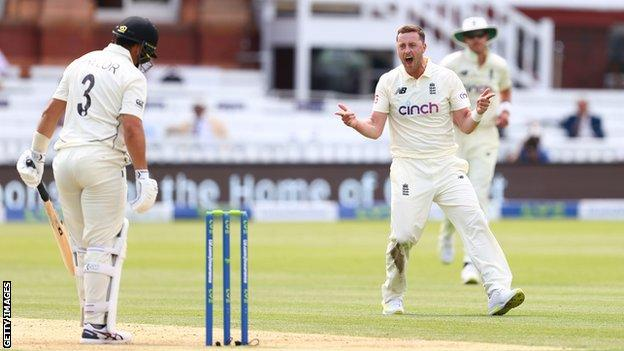 England v India: Ollie Robinson recalled to squad for first two Tests thumbnail
