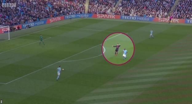 Arsenal forward Alexis Sanchez (circled) frequently beckoned his team-mates forward to help him press City's defence, but often had nobody in support