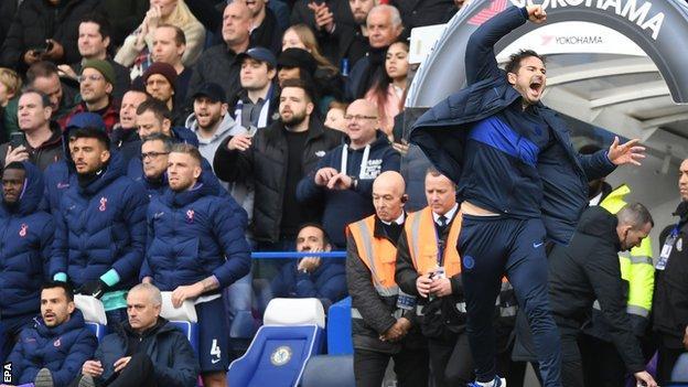 Frank Lampard celebrates Chelsea's win over Tottenham