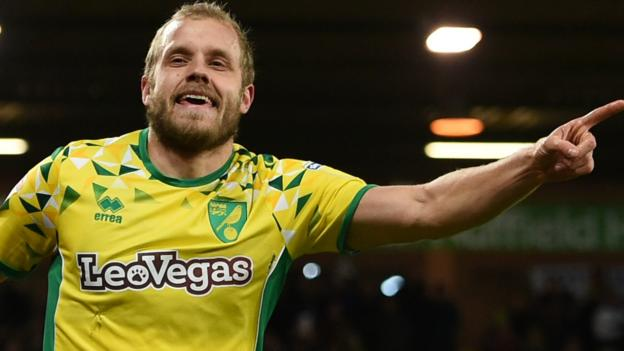Norwich City 3-1 Birmingham City: Canaries end winless in lively game thumbnail