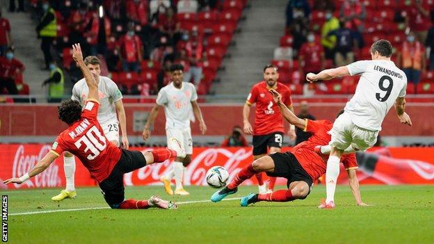 Robert Lewandowski, Al ahly'ye karşı gol attı